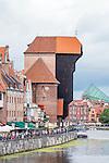 Gdańsk (woj. pomorskie) 18.07.2016. Długie Pobrzeże - deptak nadwodny w Gdańsku na Głównym Mieście