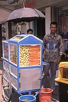 Indonesia; Java, Yogyakarta, fruit stand.<br /> Indonesia, Giava, Yogyakarta, bancarella di frutta
