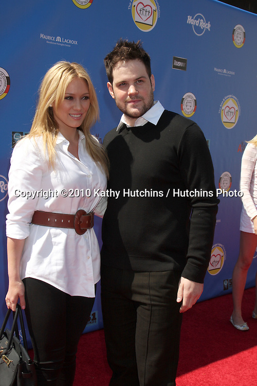 Hiliary Duff & Fiance Mike Comrie.arrives at  the George Lopez Golf Tournament .Lakeside Golf Club.Toluca Lake, CA.May 3, 2010.©2010 Kathy Hutchins / Hutchins Photo...