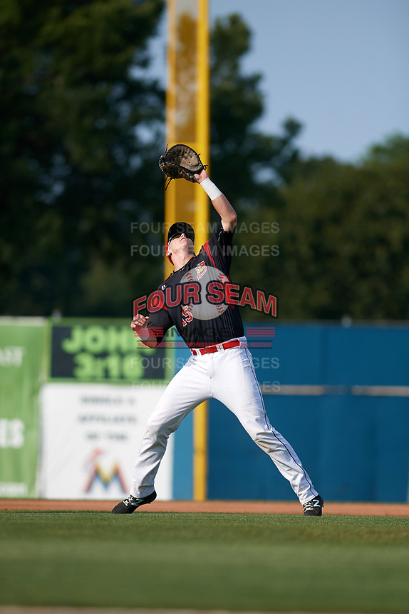 Batavia Muckdogs first baseman Sean Reynolds (15) catches a popup during the first game of a doubleheader against the Mahoning Valley Scrappers on August 28, 2017 at Dwyer Stadium in Batavia, New York.  Mahoning Valley defeated Batavia 6-3.  (Mike Janes/Four Seam Images)