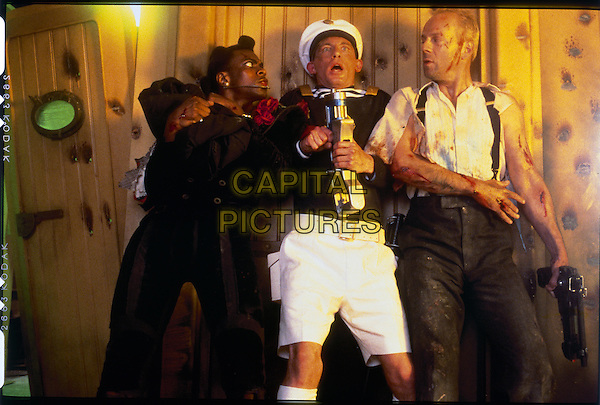Chris Tucker, Lee Evans & Bruce Willis.in The Fifth Element.*Filmstill - Editorial Use Only*.CAP/NFS.Supplied by Capital Pictures.
