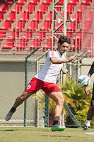 SÃO PAULO, SP, 19.08.2015 - FUTEBOL-SÃO PAULO -  Alexandre Pato durante treino do São Paulo Futebol  no Centro de Treinamento da Barra Funda, na manhã desta quarta-feira, 19.(Foto: Adriana Spaca/Brazil Photo Press)