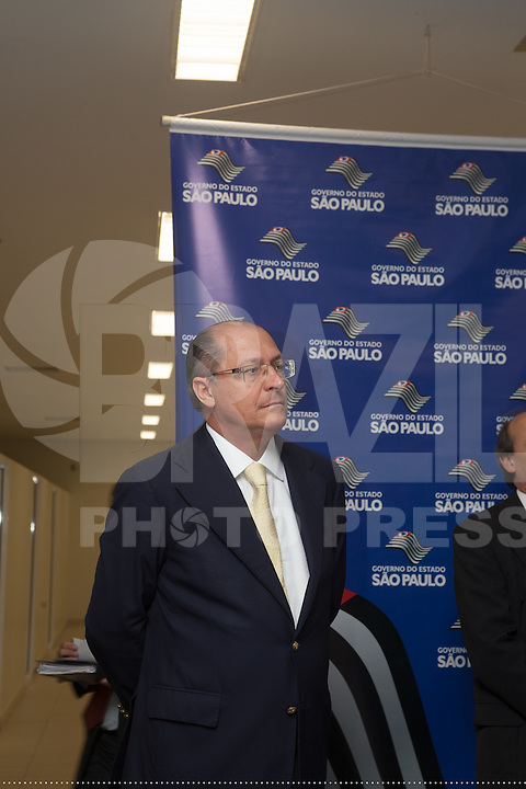 SAO PAULO, SP, 04 DE JUNHO 2012 – INAUGURACAO DE PREDIO - O governador Geraldo Alckmin entrega nesta segunda-feira, 4, o Edifício Cidade IV, localizado na Rua Boa Vista,  centro da capital. O novo predio abrgara varias secretarias do governo estadual, alem do comite estadual da Copa do mundo.     (FOTO: RICARDO LOU / BRAZIL PHOTO PRESS).