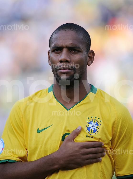Fussball  International FIFA Confederations Cup 2009  18.06.2009 USA - Brailien MAICON (BRA)