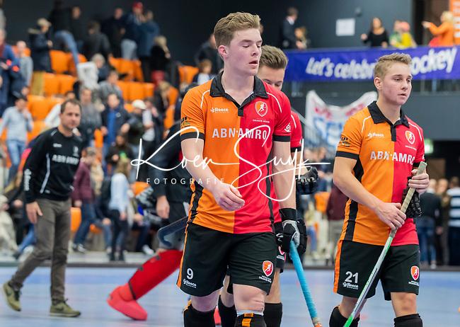 ROTTERDAM  - NK Zaalhockey,   halve finale heren Oranje Rood-SCHC (SCHC wint en plaatst zich voor de finale) . teleurstelling bij Jim van de Venne (Oranje-Rood)  en OR.     COPYRIGHT KOEN SUYK