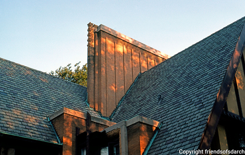 F.L. Wright: Moore House, 1895. Roof and Chimney.  Photo '76.
