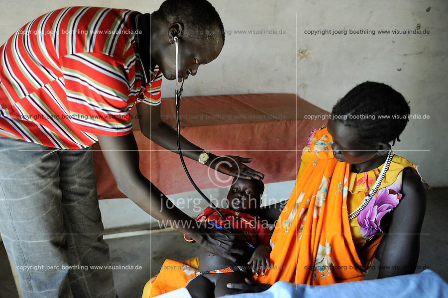 "Afrika Suedsudan Rumbek , Diakonie Gesundheitsstation Agangrial in Cuibet County , Untersuchung fuer Kinder - Gesundheit | .Africa South Sudan Rumbek , health center, treatment for children .| [ copyright (c) Joerg Boethling / agenda , Veroeffentlichung nur gegen Honorar und Belegexemplar an / publication only with royalties and copy to:  agenda PG   Rothestr. 66   Germany D-22765 Hamburg   ph. ++49 40 391 907 14   e-mail: boethling@agenda-fototext.de   www.agenda-fototext.de   Bank: Hamburger Sparkasse  BLZ 200 505 50  Kto. 1281 120 178   IBAN: DE96 2005 0550 1281 1201 78   BIC: ""HASPDEHH"" ,  WEITERE MOTIVE ZU DIESEM THEMA SIND VORHANDEN!! MORE PICTURES ON THIS SUBJECT AVAILABLE!! ] [#0,26,121#]"