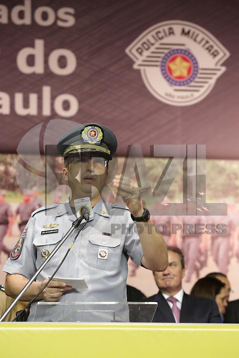 SÃO PAULO,SP, 19.11.2015 - SEGURANÇA-SP - Coronel Ricardo Gambaroni, comandante-geral, durante formatura de 2.820 soldados da Polícia Militar no Sambódromo do Anhembi, zona norte de São Paulo, SP, nesta quarta-feira (18). (Foto: Fernando Neves / Brazil Photo Press)
