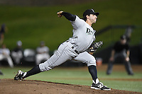Dayton Dragons pitcher Zack Weiss (32) delivers a pitch during a game against the South Bend Silver Hawks on August 20, 2014 at Four Winds Field in South Bend, Indiana.  Dayton defeated South Bend 5-3.  (Mike Janes/Four Seam Images)