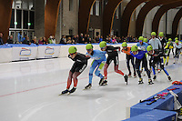 SCHAATSEN: LEEUWARDEN: 30-09-2015, Elfstedenhal, 1e competitiewedstrijd Mass Start, Evert Hoolwerf (#1), Simon Schouten (#6), Willem Hoolwerf (#4), ©foto Martin de Jong