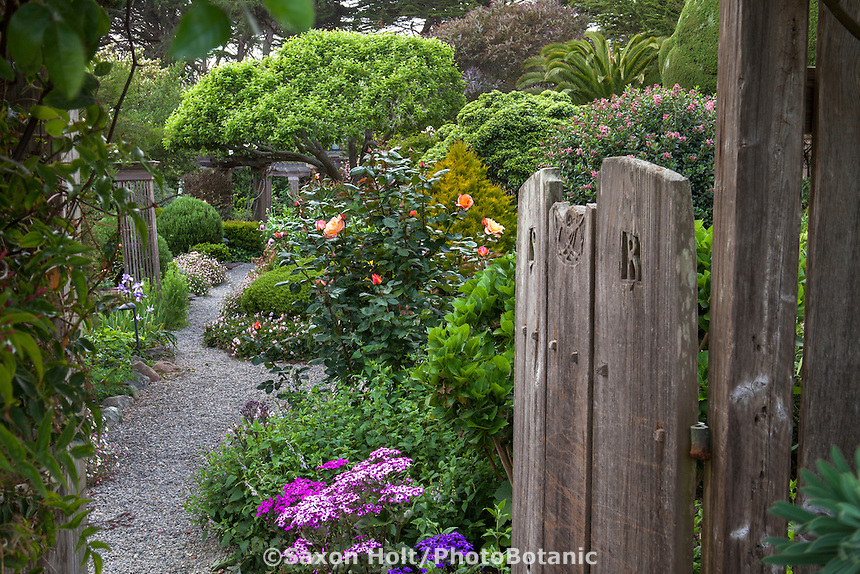 Entry into Sally Robertson's California cottage garden