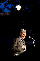 Roma,13 Ottobre 2009. Campagna elettorale di Massimo D'Alema per le primarie del Partito Democratico