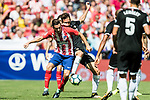 Jorge Resurreccion Merodio, Koke (l), of Atletico de Madrid competes for the ball with Franco Vazquez of Sevilla FC during the La Liga 2017-18 match between Atletico de Madrid and Sevilla FC at the Wanda Metropolitano on 23 September 2017 in Madrid, Spain. Photo by Diego Gonzalez / Power Sport Images