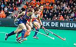 ROTTERDAM - Ginella Zerbo (Ned) met  Alyssa Manley (USA)   tijdens de Pro League hockeywedstrijd dames, Netherlands v USA (7-1)  .  COPYRIGHT  KOEN SUYK