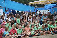 Volles Haus bei der Begrüßung zur Abschlussveranstaltung der Ferienspiele der Kinder- und Jugendförderung Trebur