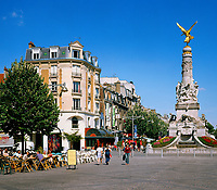 France, Département Marne, Champagne, Reims: Cafés at Place Drouet d'Erlon   Frankreich, Département Marne, Champagne, Reims: Cafés am Place Drouet d'Erlon