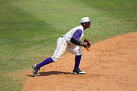 Winston-Salem Dash shortstop Yeyson Yrizarri (6) on defense against the Potomac Nationals at BB&T Ballpark on August 6, 2017 in Winston-Salem, North Carolina.  The Nationals defeated the Dash 4-3 in 10 innings.  (Brian Westerholt/Four Seam Images)