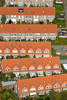 Reihenhaus: EUROPA, DEUTSCHLAND, SCHLESWIG-HOLSTEIN, (EUROPE, GERMANY), 19.10.2007: Deutschland, Europa, Schleswig- Holstein, Schwarzenbek, Neubaugebiet, Bau, Flaeche, Bebauungsplan, B Plan, Erschliessung, Neu, Buerger, Erweiterung, Wohnungsbau, Haus, Bausparen, Haus, Reihenhaus, Reihe, Wohnen,  Luftbild, Luftansicht, Aufwind-Luftbilder.c o p y r i g h t : A U F W I N D - L U F T B I L D E R . de.G e r t r u d - B a e u m e r - S t i e g 1 0 2, .2 1 0 3 5 H a m b u r g , G e r m a n y.P h o n e + 4 9 (0) 1 7 1 - 6 8 6 6 0 6 9 .E m a i l H w e i 1 @ a o l . c o m.w w w . a u f w i n d - l u f t b i l d e r . d e.K o n t o : P o s t b a n k H a m b u r g .B l z : 2 0 0 1 0 0 2 0 .K o n t o : 5 8 3 6 5 7 2 0 9.C o p y r i g h t n u r f u e r j o u r n a l i s t i s c h Z w e c k e, keine P e r s o e n l i c h ke i t s r e c h t e v o r h a n d e n, V e r o e f f e n t l i c h u n g  n u r  m i t  H o n o r a r  n a c h M F M, N a m e n s n e n n u n g  u n d B e l e g e x e m p l a r !.
