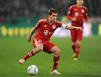 FUSSBALL   DFB POKAL   SAISON 2011/2012   HALBFINALE   21.03.2012 Borussia Moenchengladbach - FC Bayern Muenchen  Philipp Lahm (FC Bayern Muenchen) am Ball