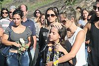 RIO DE JANEIRO, RJ, 20.11.2016 - ENTERRO-MILITAR - Enterro do Major Rogerio Melo Costa morto apos queda de helicóptero da Policia Militar. O corpo do policial militar foi sepultado no fim da tarde deste domingo (20), no Cemitério Jardim da Saudade, em Sulacap, na zona oeste do Rio de Janeiro. (Foto: Celso Barbosa/ Brazil Photo Press)
