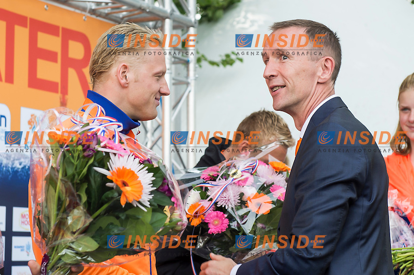 WEERTMAN Ferry NED gold medal European Champion with Dutch Swimming Federation President Mr. Erik Van Heijningen<br /> Hoorn, Netherlands <br /> LEN 2016 European Open Water Swimming Championships <br /> Open Water Swimming<br /> Men's 10km<br /> Day 01 10-07-2016<br /> Photo Giorgio Perottino/Deepbluemedia/Insidefoto