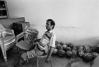 - Villaggio albanese, Queparo (Cepar&ograve;, agosto 1993); il venditore di angurie<br /> <br /> -  Albanian  Village, Queparo (Cepar&ograve;, August 1993); the watermelon seller