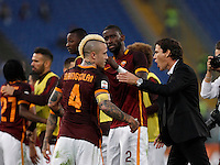 Calcio, Serie A: Roma vs Lazio. Roma, stadio Olimpico, 8 novembre 2015.<br /> Roma's coach Rudi Garcia, right, greets his player Radja Nainggolan at the end of the Italian Serie A football match between Roma and Lazio at Rome's Olympic stadium, 8 November 2015. Roma won 2-0.<br /> UPDATE IMAGES PRESS/Isabella Bonotto