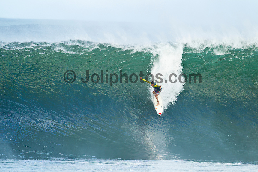 Pipeline, Haleiwa, Oahu, Hawaii (Saturday January 22, 2011) Jeremy Flores (FRA)..The 6'-10 west swell continued to hit the North Shore today with Pipeline and Backdoor  breaking. Photo: joliphotos.com