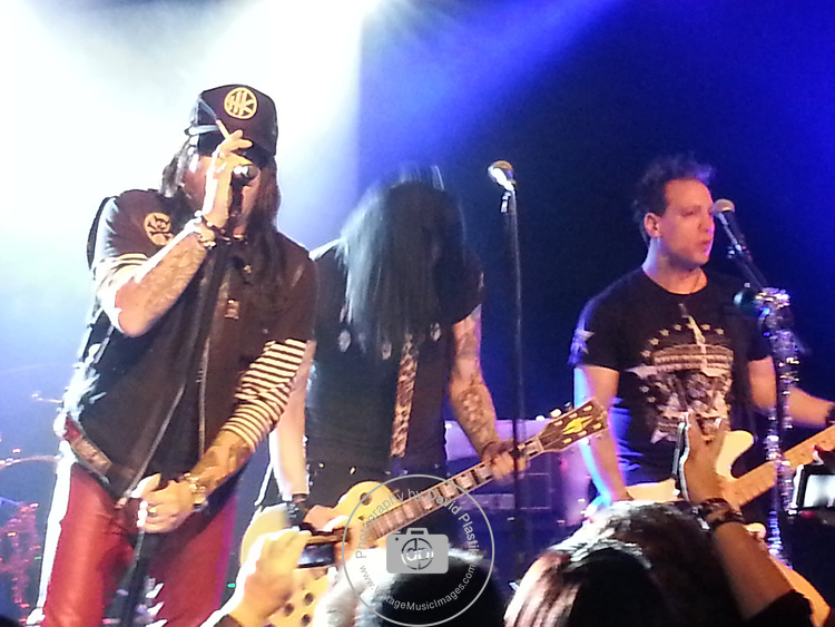 Taime Downe , Todd Kerns, Zach Throne