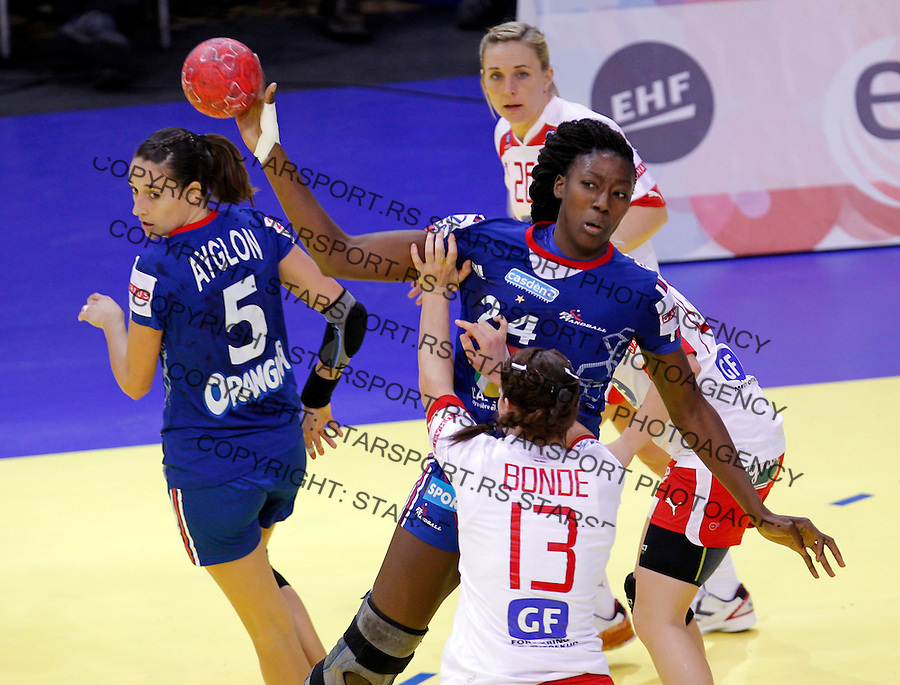 NIS, SERBIA 6/12/2012/ Mariama Signate in action during Women`s European Handball Championship EHF EURO 2012 match between Denmark and France in Cair arena in city of Nis in southern Serbia on  December 6, 2012 Credit: PEDJA MILOSAVLJEVIC/SIPA/