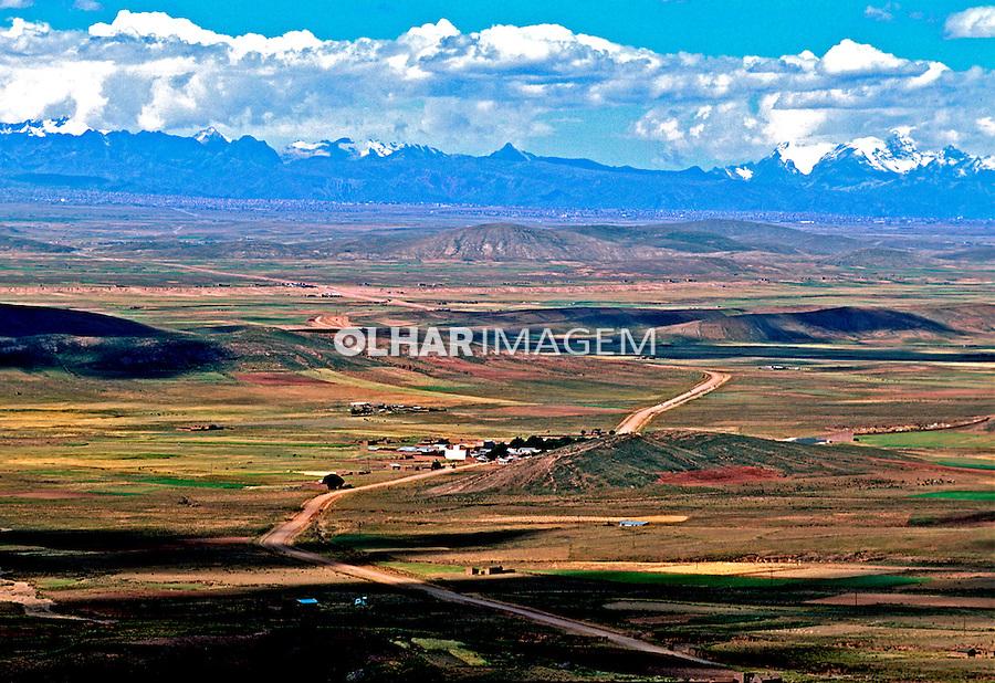 Altiplano Boliviano e Cordilheira dos Andes. Bolívia. 1998. Foto de Juca Martins.