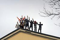 - Milano, 9 marzo 2020, rivolta dei detenuti nel carcere di San Vittore in protesta per la mancanza di precauzioni contro l'epidemia di CoronaVirus 19 e le nuove norme restrittive per la visita dei parenti<br /> <br /> - Milan, 9 March 2020, revolt of detainees in San Vittore prison in protest against the lack of precautions against the CoronaVirus 19 epidemic and the new restrictive rules for visiting relatives