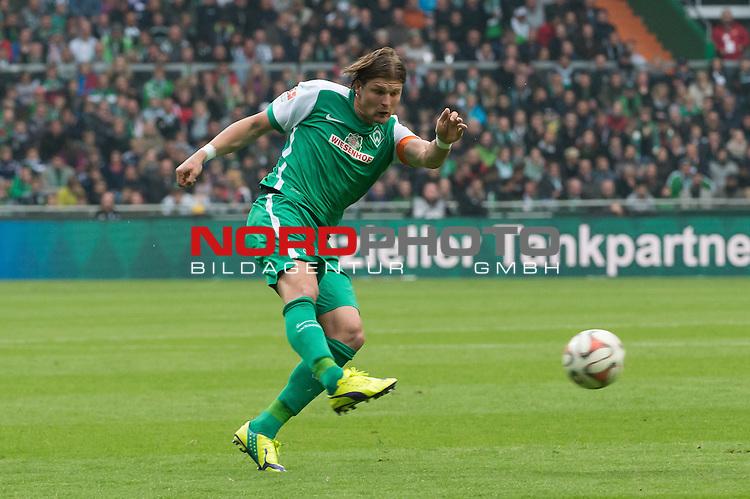 16.05.2015, Weser Stadion, Bremen, GER, 1.FBL. Werder Bremen vs Borussia Moenchengladbach, im Bild<br /> <br /> Sebastian Pr&ouml;dl / Proedl (Bremen #15)<br /> Einzelaktion, Ganzk&ouml;rper / Ganzkoerper,<br /> <br /> Foto &copy; nordphoto / Kokenge