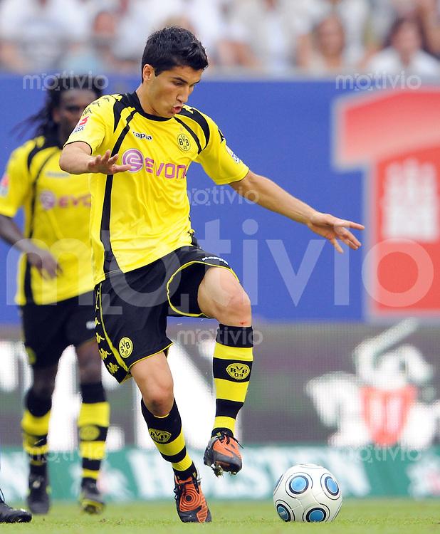 FUSSBALL  1. BUNDESLIGA   SAISON 2009/2010   2. SPIELTAG Hamburger SV - Borussia Dortmund                       15.08.2009 Nuri SAHIN (Borussia Dortmund) Einzelaktion am Ball