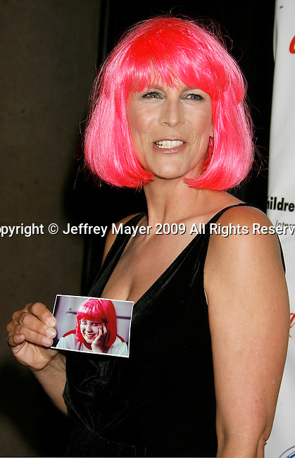 """BEVERLY HILLS, CA. - May 09: Jamie Lee Curtis arrives at the 3rd Annual """"Noche de Ninos"""" Gala at the Beverly Hilton Hotel on May 9, 2009 in Beverly Hills, California."""