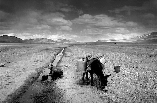 Horag-Osh Road, Tajikistan .1996.Life in the desolate Pamir mountains. .
