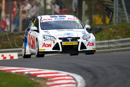 02.04.2011. Dunlop British Touring Car Championship Qualifying. Tom Chilton in his Team Aon Global Ford Focus.