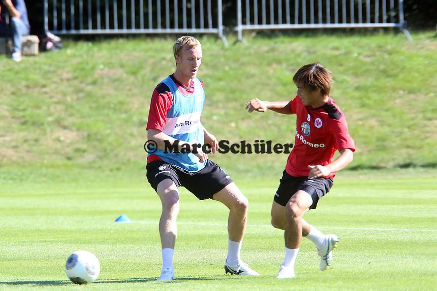 Takashi Inui gegen Jan Rosenthal (Eintracht)