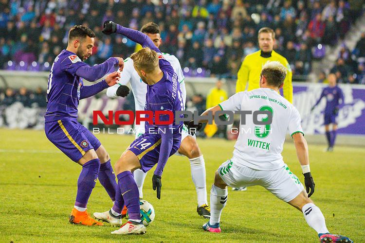i19.03.2018, Erzgebirgsstadion, Aue, GER, 2. FBL, FC Erzgebirge Aue vs. SpVgg Greuther F&uuml;rth/Fuerth, im Bild<br /> <br /> <br /> Pascal Koepke (#14, FC Erzgebirge Aue), Maximilian Wittek (#3, Greuther Fuerth), <br /> <br /> Foto &copy; nordphoto / Dostmann