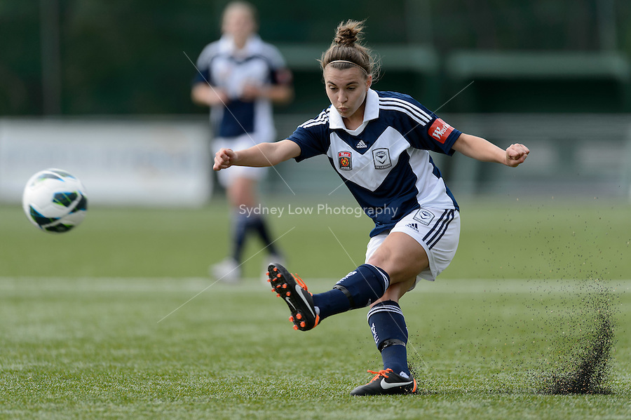 MELBOURNE - 27 October:  Stephanie CATLEY of the Victory kicks the ball in the round two match of the 2012/13 W-League between Melbourne Victory and Brisbane Roar at the Veneto Club, Bulleen. (Photo by Sydney Low/syd-low.com/#MVFC)