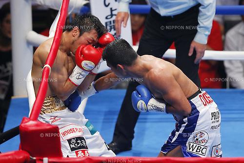 (L-R) Akira Yaegashi (JPN), Roman Gonzalez (NCA), SEPTEMBER 5, 2014 - Boxing : WBC Fly weight title bout at Yoyogi 2nd Gymnasium, Tokyo, Japan. Naoya Inoue won won by TKO after 2nd rounds. (Photo by Yusuke Nakanishi/AFLO SPORT) [1090]