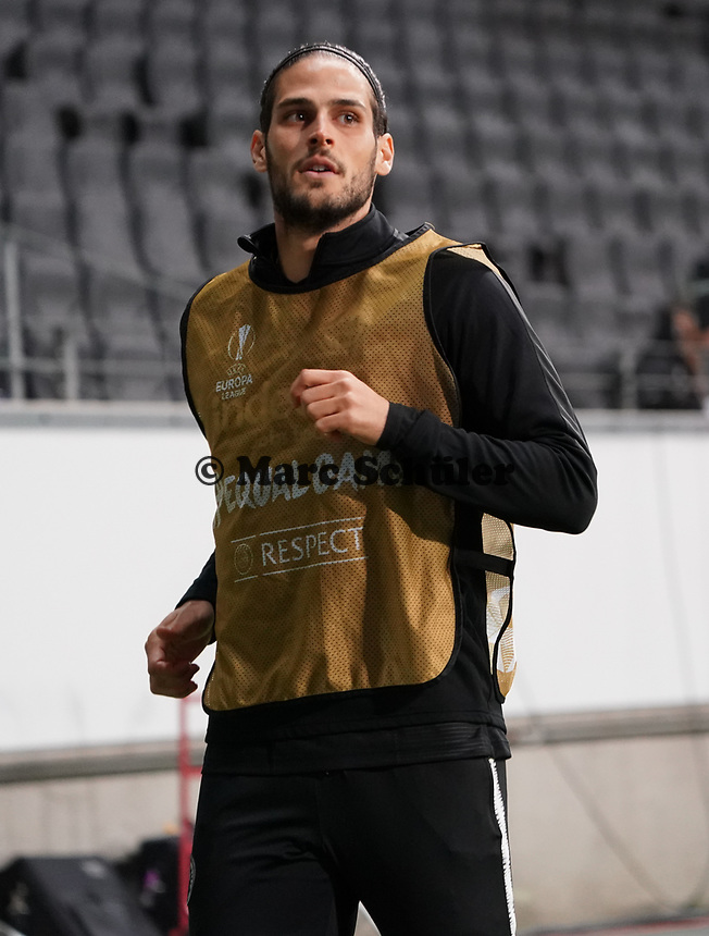 Goncalo Paciencia (Eintracht Frankfurt) macht sich warm - 12.03.2020: Eintracht Frankfurt vs. FC Basel, UEFA Europa League, Achtelfinale, Commerzbank Arena<br /> DISCLAIMER: DFL regulations prohibit any use of photographs as image sequences and/or quasi-video.