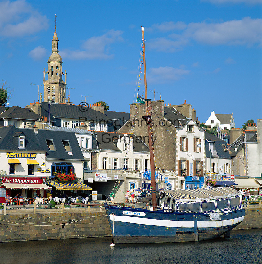 France, Brittany, Département Côtes-d'Armor, Binic: small harbour at bay Côte du Goëlo | Frankreich, Bretagne, Département Côtes-d'Armor, Binic: kleine Hafenstadt an der Bucht Côte du Goëlo
