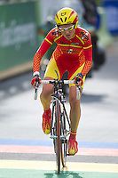 GEELONG, 29 SEPTEMBER - LOPEZ MORALES Belen (ESP) rides away after swapping her bicycle on the Queens Park Rd bridge on the Women's time trial event at the 2010 UCI Road World Championships in Geelong, Victoria, Australia. (Photo Sydney Low / syd-low.com)