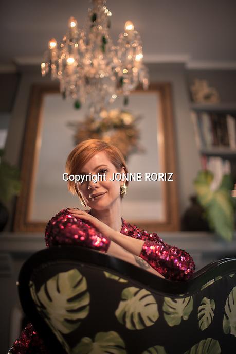 18/04/2017 - Sao Paulo - Retrato da apresentadora Julia Petit na sua residência em Sao Paulo, para perfil na revista Veja. Foto: Jonne Roriz