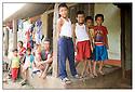 N&eacute;pal<br /> Sur la route de Bhaktapur, Famille.