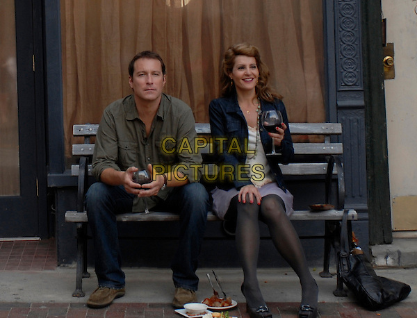 JOHN CORBETT & NIA VARDALOS.in I Hate Valentine's Day.*Filmstill - Editorial Use Only*.CAP/FB.Supplied by Capital Pictures.