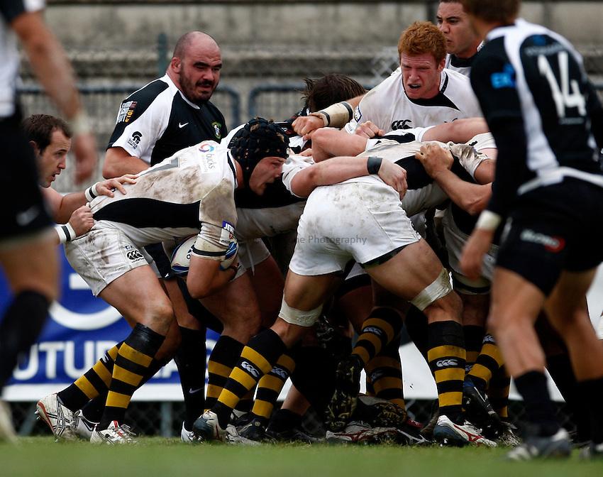 Photo: Richard Lane/Richard Lane Photography. Rugby Roma v London Wasps. Amlin Challenge Cup. 17/10/2009.   Wasps' Will Matthews takes on the ball.