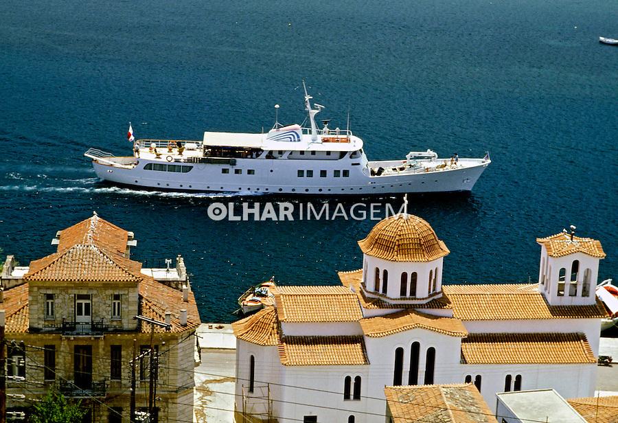 Cidade no mar Egeu. Grécia. 1995. Foto de Rogério Reis.