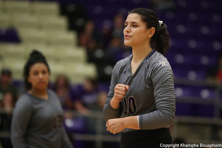 Boswell beats Chisholm Trail 3-0 in district 7-5A high school volleyball on Friday, September 20, 2019. (Photo by Khampha Bouaphanh